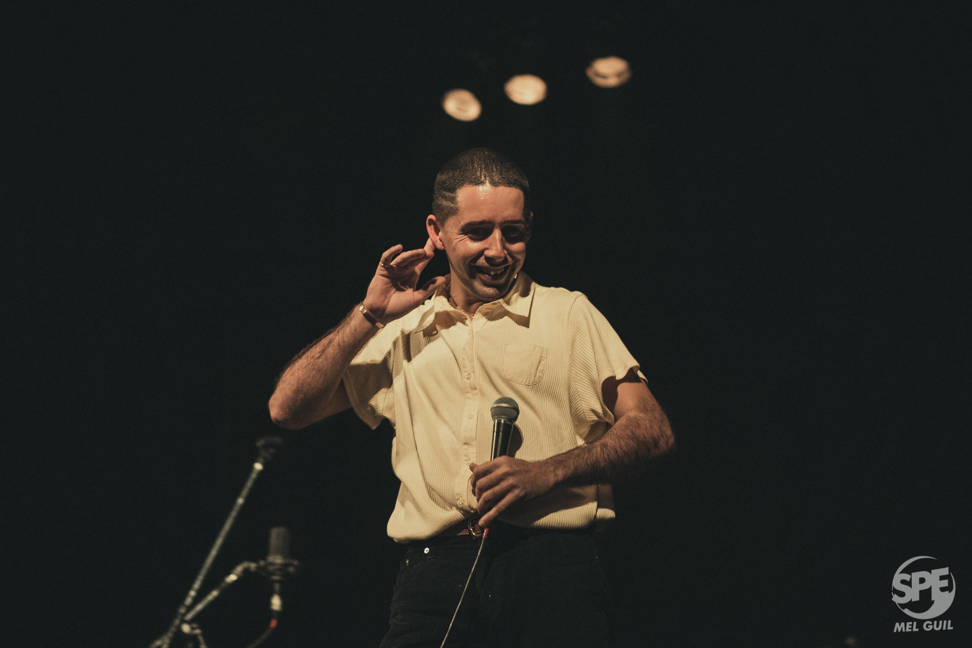 Juan Wauters, cantautor úruguayo, durante su show en el Teatro Xirgu (untref) úbicado en Buenos Aires, el dia Viernes 5 de agosto de 2019. 5 de agosto de 2019. Foto de: Melanie Guil.