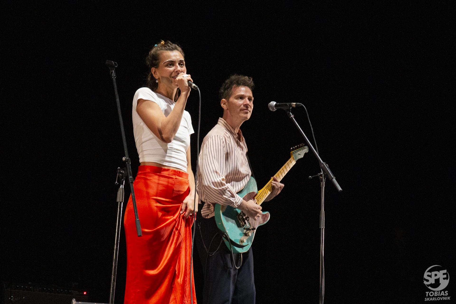"""La banda """"La Loba"""" abré el concierto de Jorge Drexler en  en el teatro Gran Rex (Buenos Aires, Argentina) el Jueves 26 de septiembre de 2019. Foto de: Tobias Skarlovnik."""