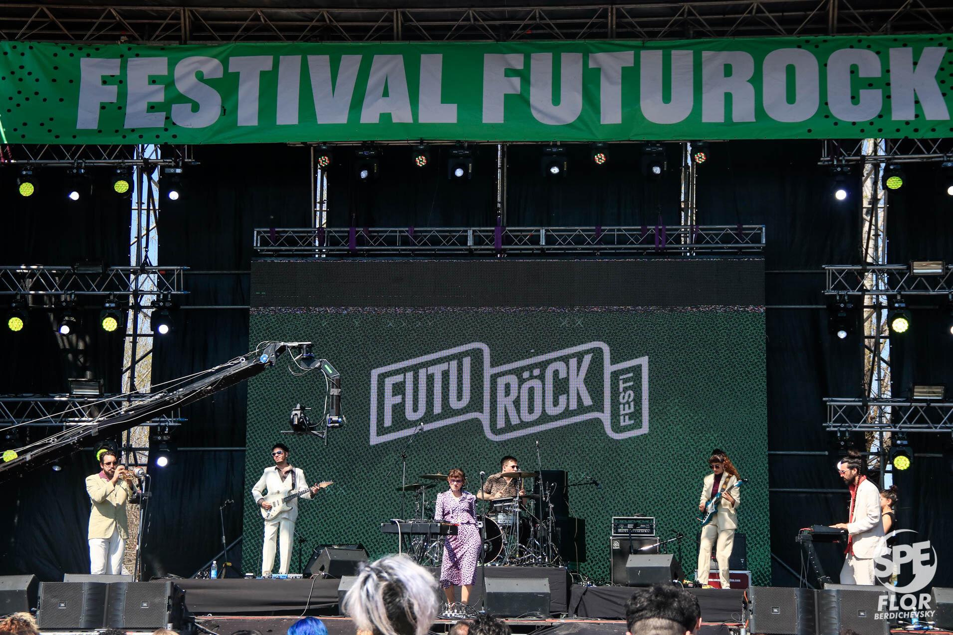 La banda Weste participa del Festival Futurock en el estadio Malvinas Argentinas, el 28 de Septiembre de 2019. El festival estuvo organizado por la radio Futurock. Foto de: Florencia Berdichevsky