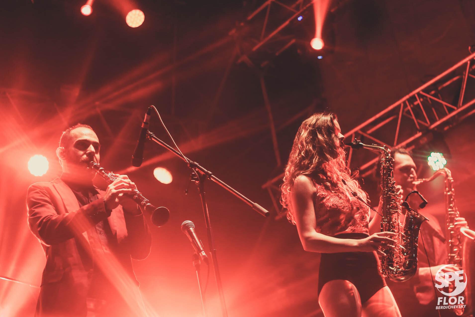 La banda Orquesta Delio Valdez participa del Festival Futurock en el estadio Malvinas Argentinas, el 28 de Septiembre de 2019. El festival estuvo organizado por la radio Futurock. Foto de: Florencia Berdichevsky
