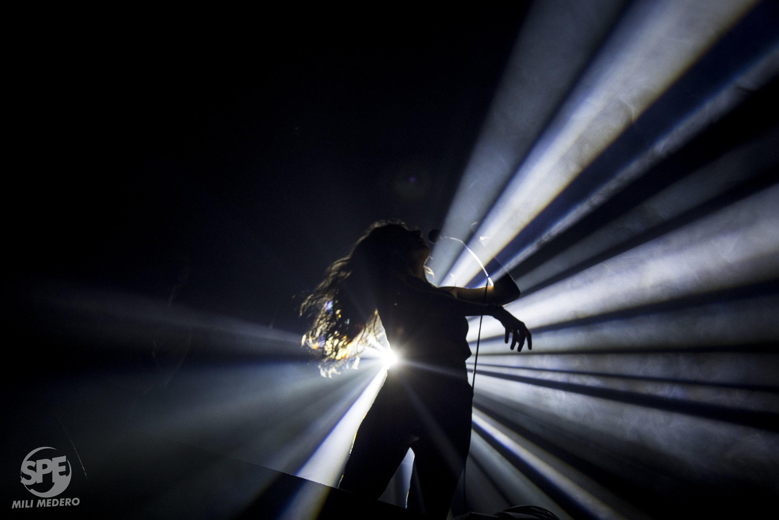 """Miranda Johansen durante su show soporte en Niceto Club (Buenos Aires, Argentina) el dia 3 de Octubre de 2019. Johansen fue la artista soporte de """"Las Sombras"""". Foto de: Milagros Medero"""