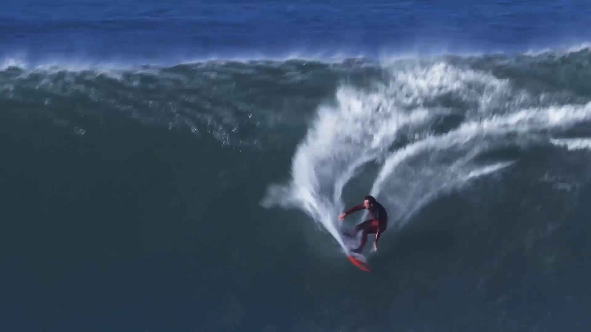 Big Wave in the Basque Country Ingles, with Laurels. Azkena Carrascon.MP4.Imagen fija013.jpg