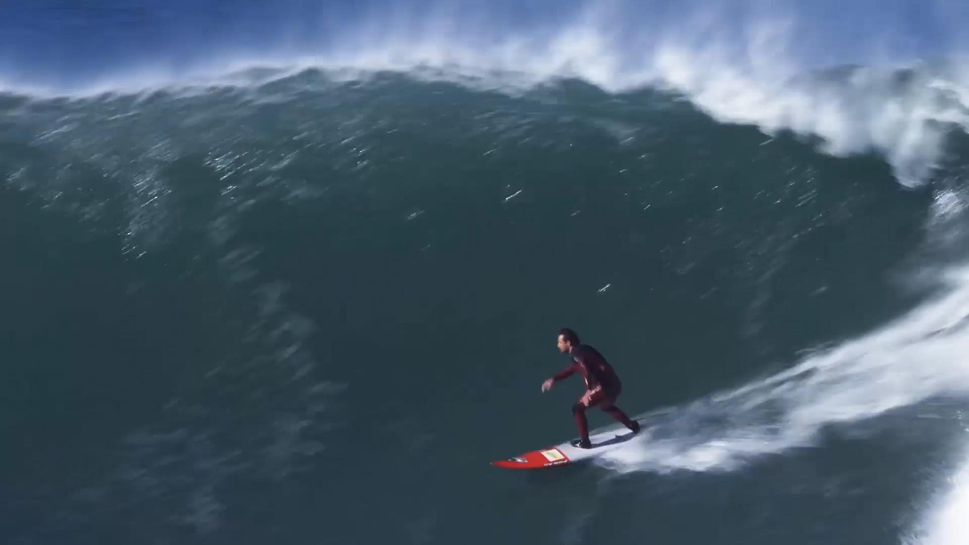 Big Wave in the Basque Country Ingles, with Laurels. Azkena Carrascon.MP4.Imagen fija014.jpg
