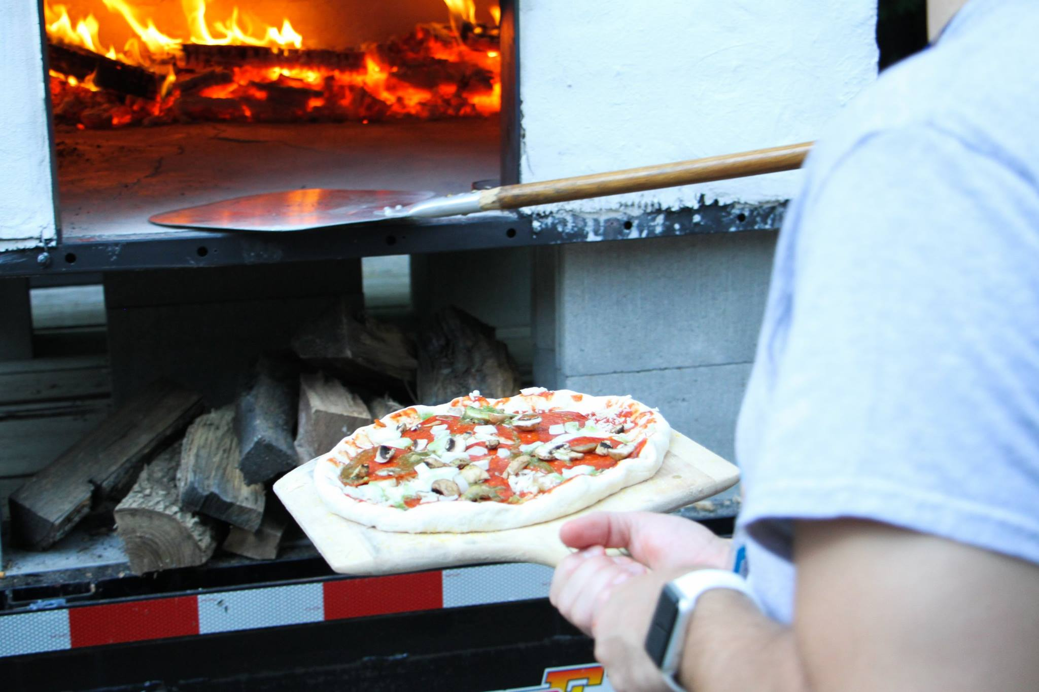 Pizza-Camp-oven.jpg
