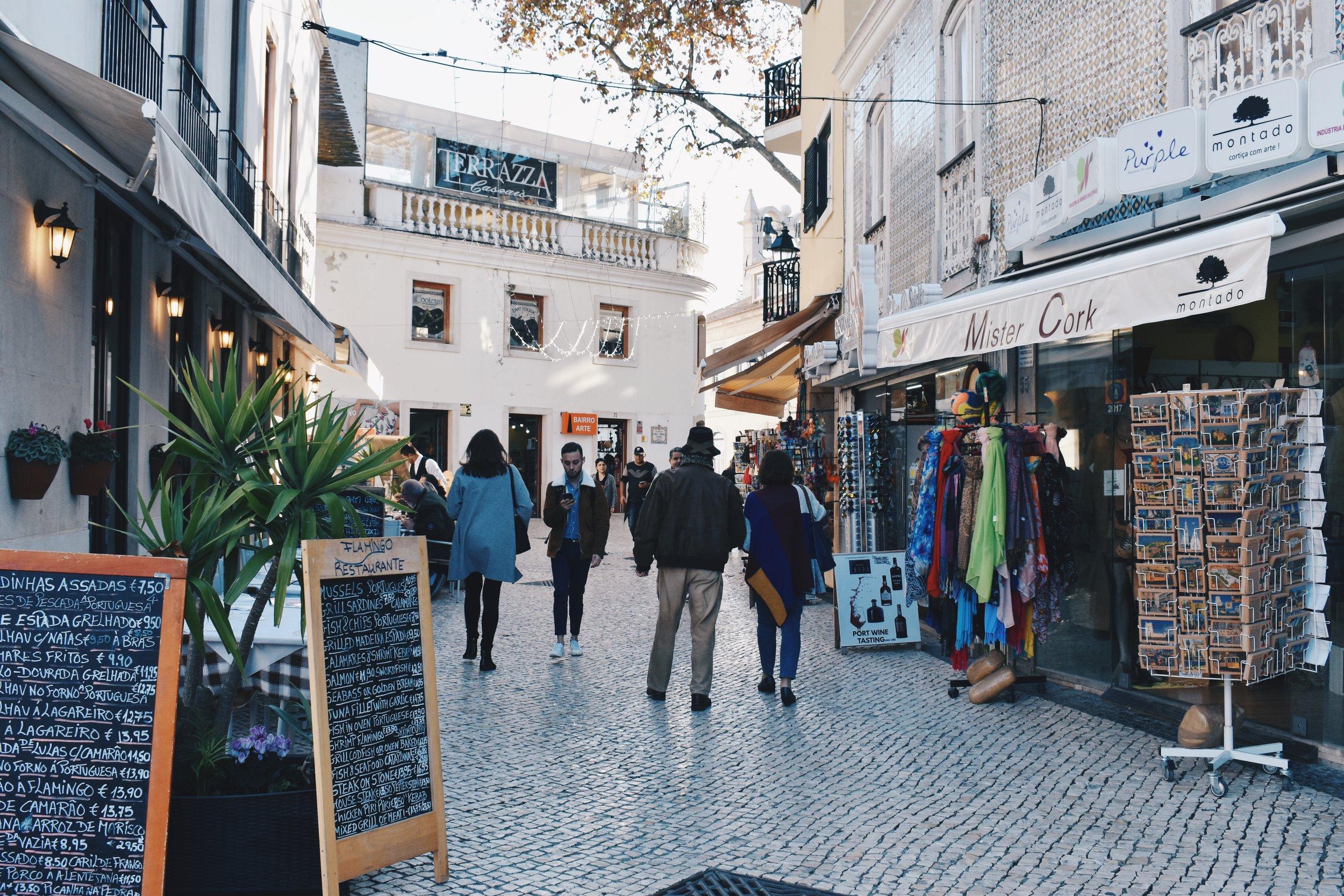 Traipsing through Cascais' town centre
