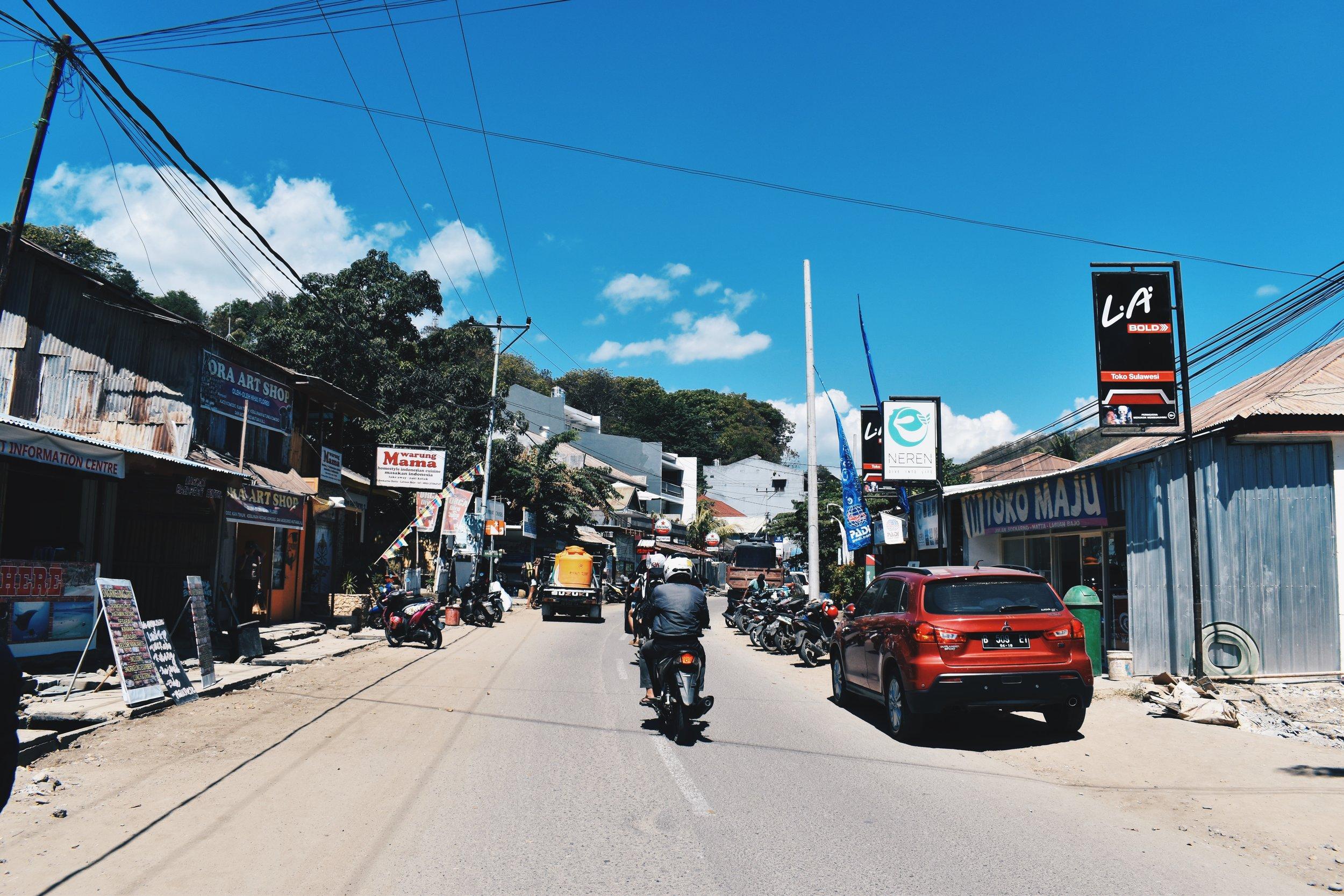The dusty main road of Labuan Bajo that is Jl. Soekarno Hatta