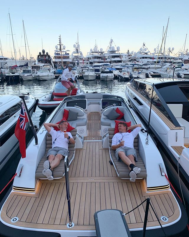 And it's all over for another year! 🎊Time to celebrate a great show with all of the Pascoe team, it appears a few of us have already started... 🚤🍾🥂🚤 #monacoyachtshow #tender #pascoe #monaco #superyacht