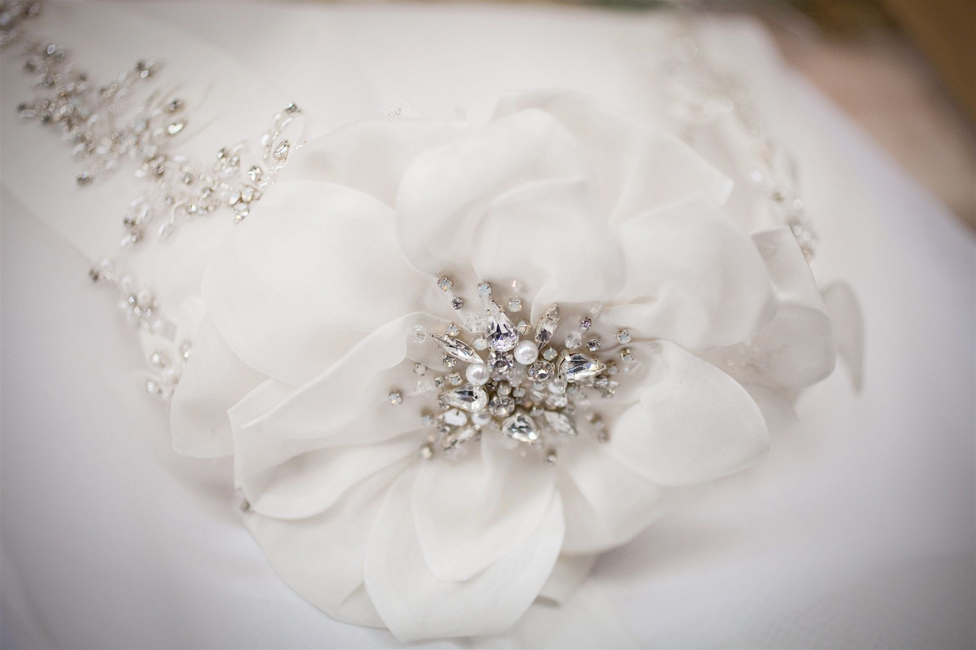 wd_whiteflowerdress.jpg