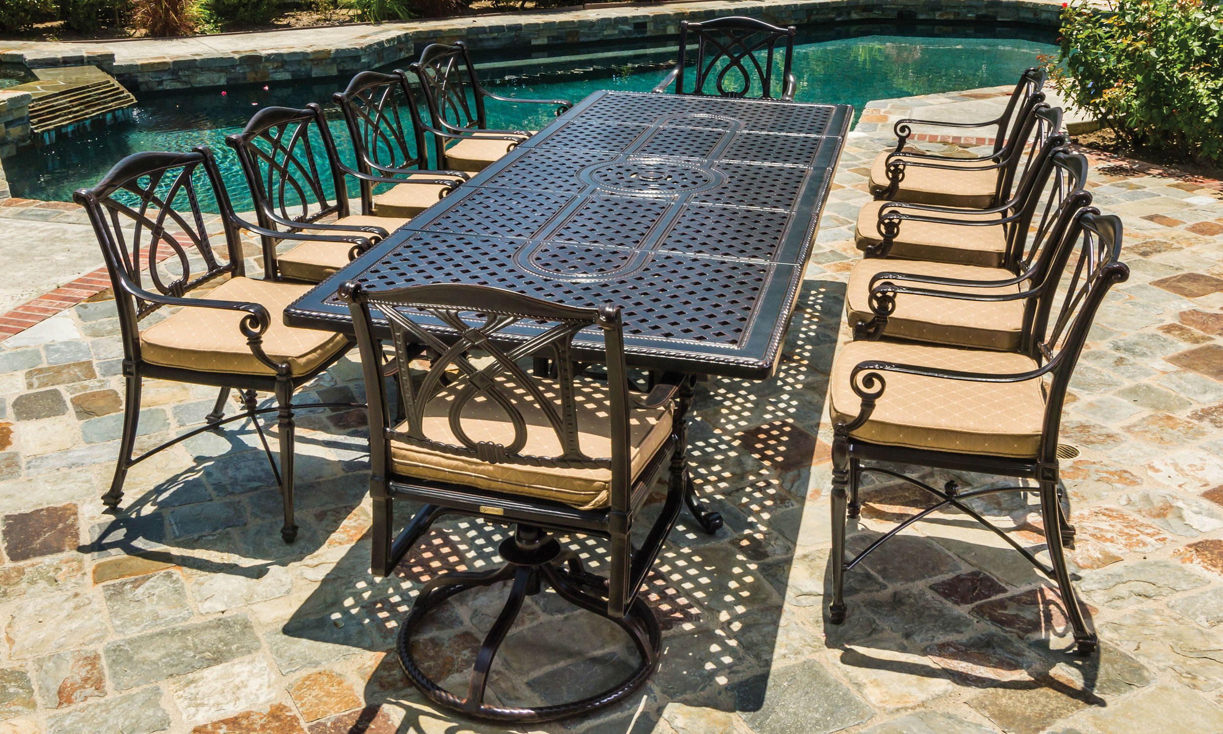 outdoor-furniture_furniture-collections_grand-terrace_60-l.jpg
