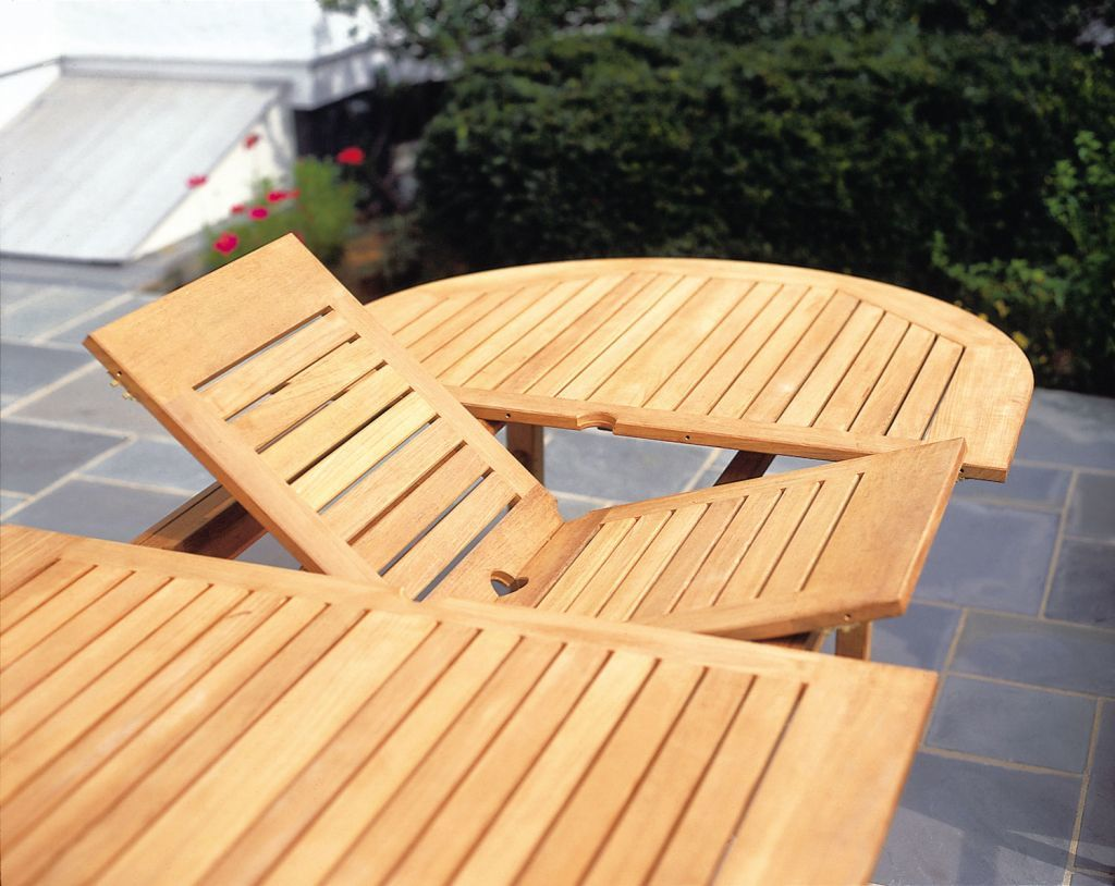 Kingsley-Bate-Essex-100-Oval-Dining-Table-Butterfly-Leaf-Detail-1024x814.jpg