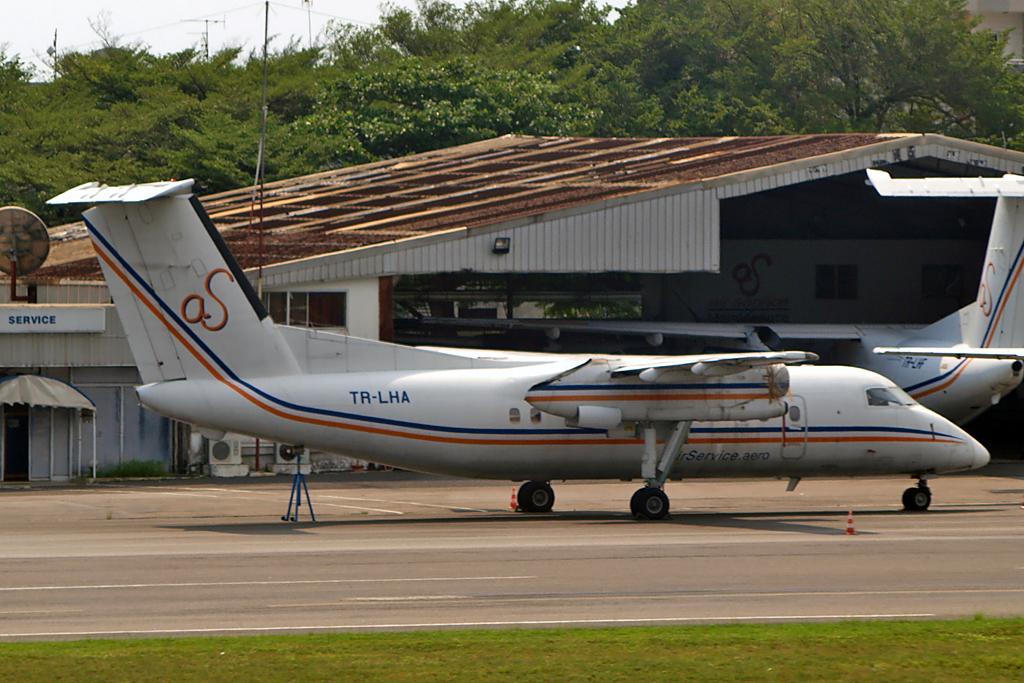 Aviafan Photo © Libreville, Gabon 28-Jan-2011   via Flickr