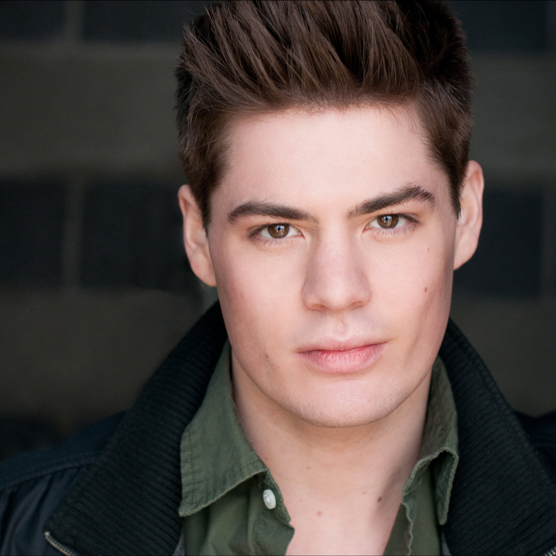 SAWYER SMITH*  ( Fastrada)  is excited to make their Venus debut! Mercury Theater Chicago credits include:  The Bardy Bunch, The Producers, The Addams Family.  Selected credits include:  The Fly Honey Show 9  (The Inconvenience);  Rock of Ages  (Drury Lane Theater);  First Date  (Royal George);  Cats, Rent  and  A Chorus Line  (Paramount Theater); and  Pippin  (BoHo). Choreography credits include:  Heathers: The Musical  (Kokandy, Jeff Award);  Altar Boyz, The Full Monty ,  Titanic ,  The 25th Annual Putnam County Spelling Bee  (Griffin Theatre) and  Sweet Charity  (Timber Lake Playhouse).