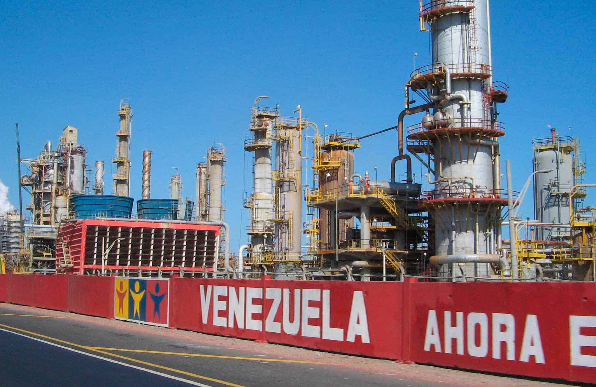 Can Venezuela make a transition from oil to clean energy without social collapse?