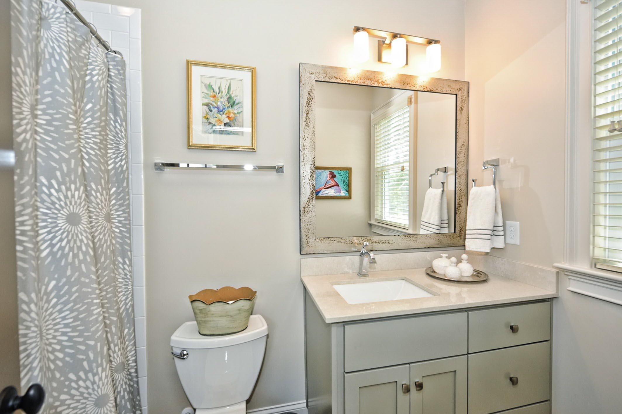 005_Bathroom.jpg