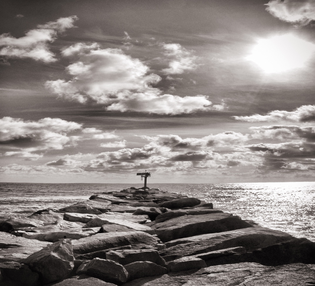 jetty sunset bw
