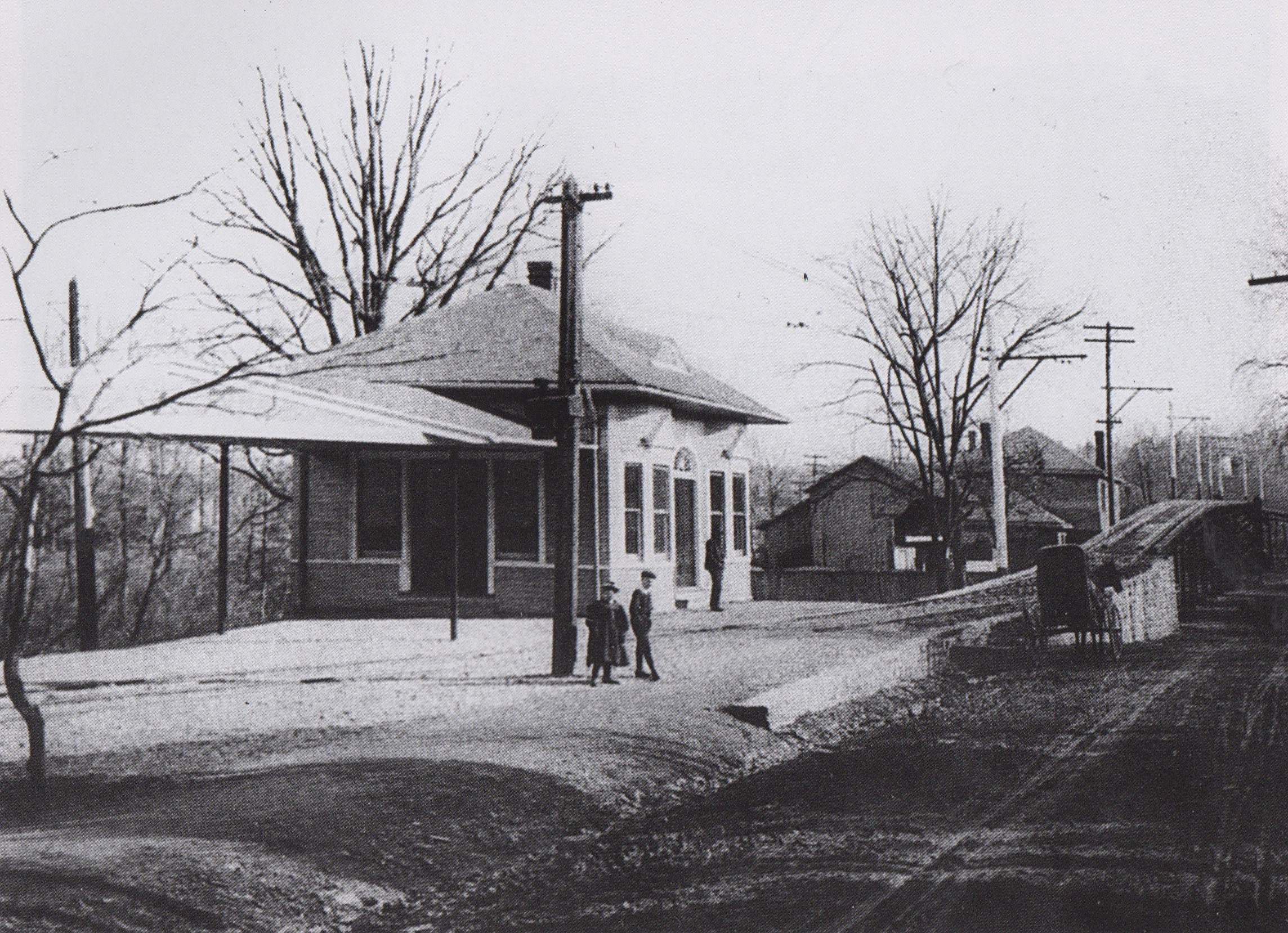 Image Credit: Mark B Miller, 1900, Sulgrave Avenue Waiting Station