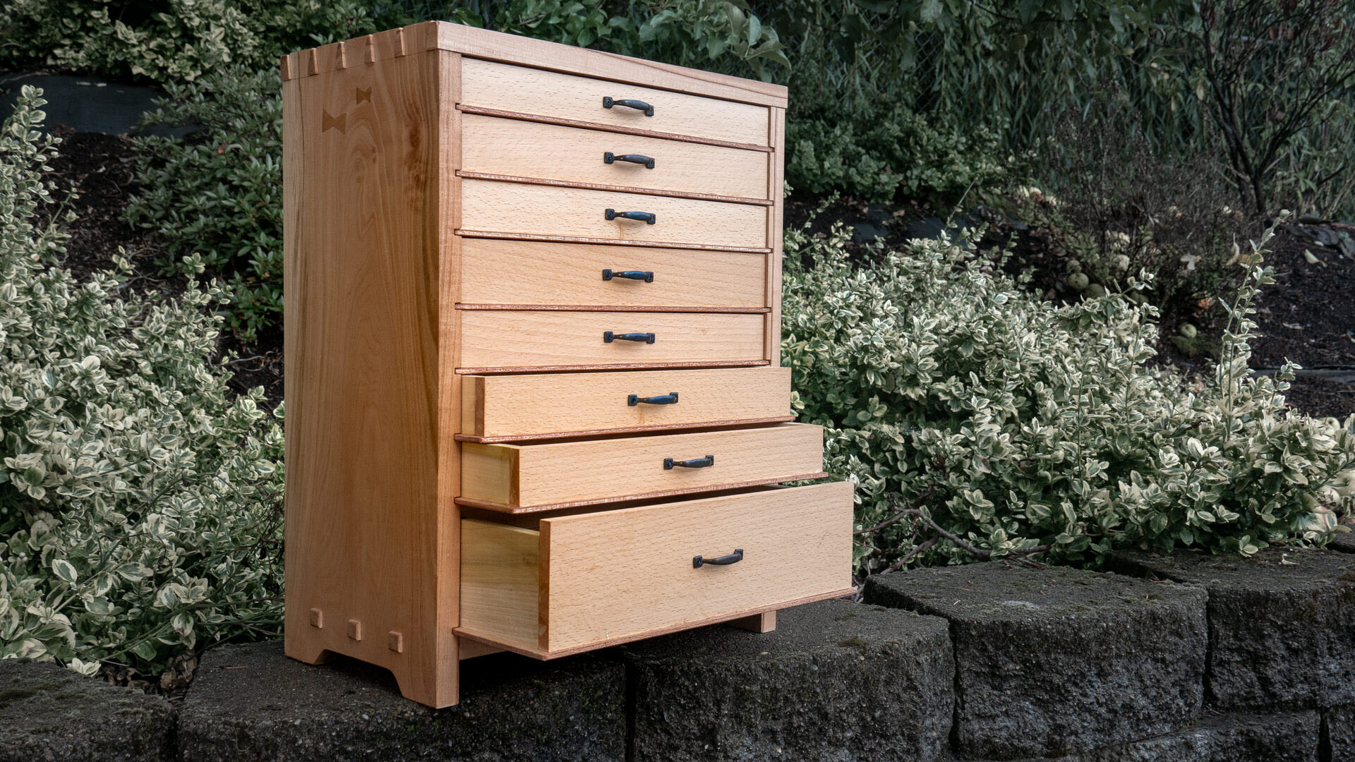 Make A Wooden Tool Chest With Drawers