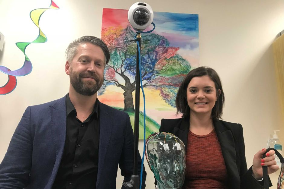 PHOTO:  Seer Medical Neurophysiology Managing Director Dr Dean Freestone and scientist Janelle Taylor have been involved in testing patients who want the prescribed drug. (ABC News: Tim Morgan )