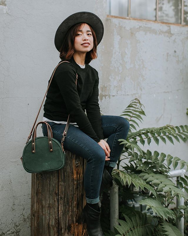 Such a gorgeous lil' shoot with my loves Linh and Remy! We had so much fun photographing @threadandcanvasco new half circle purses 😍🌿