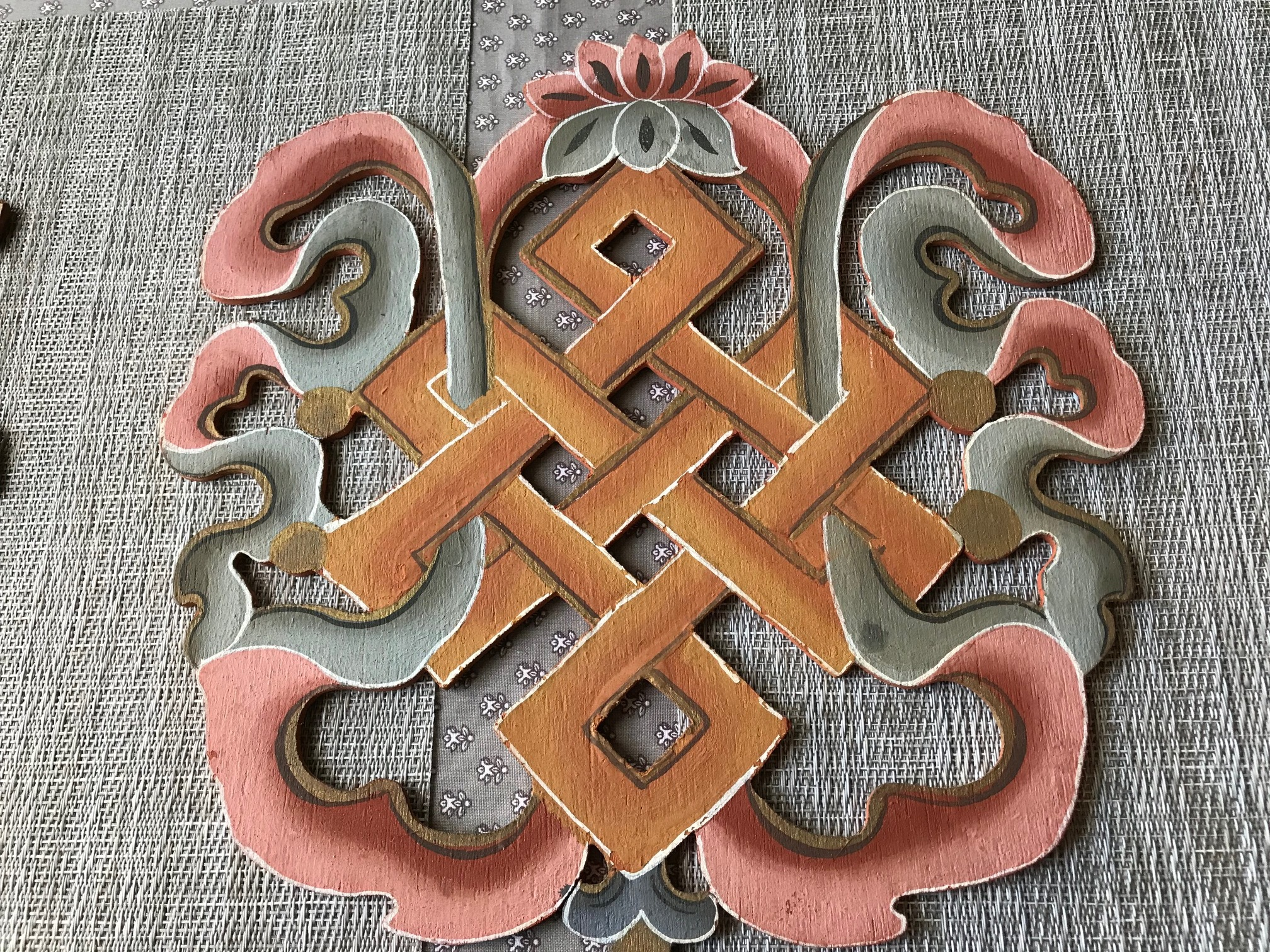 Wooden door hanging, endless knot