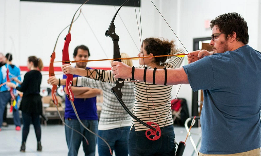Learn to shoot a bow and arrow in this addicting experience.