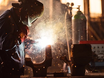 Over 2,000 people have taken welding and metalworking classes on Dabble since 2011.