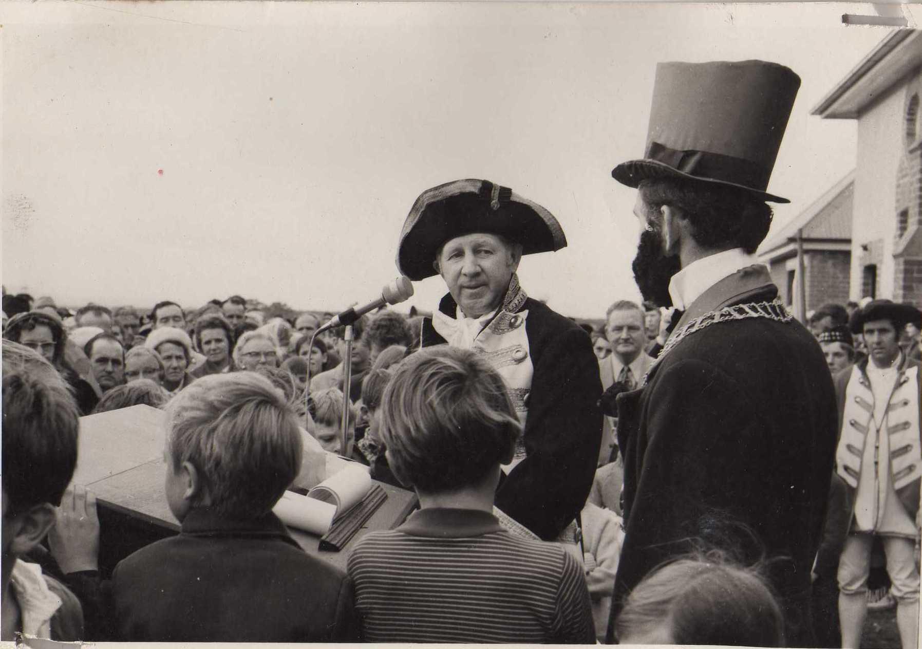 1972: Col Bishop at opening speaking to John Hatton.