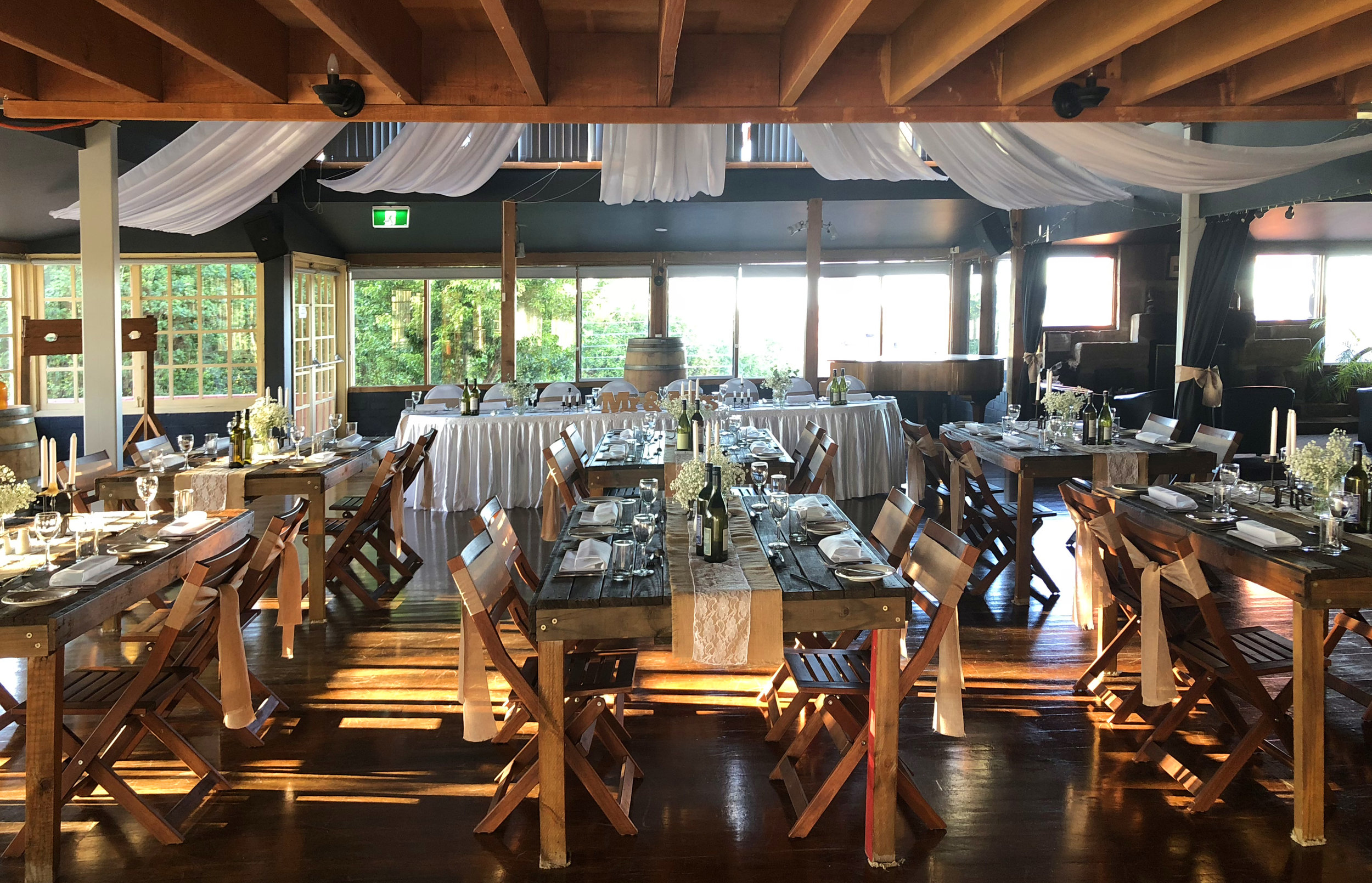 The Crow's Nest - The fully air-conditioned Crows Nest is a licensed venue, which can comfortably seat up to 200 of your guests. Private lounge, bar and open fire place.
