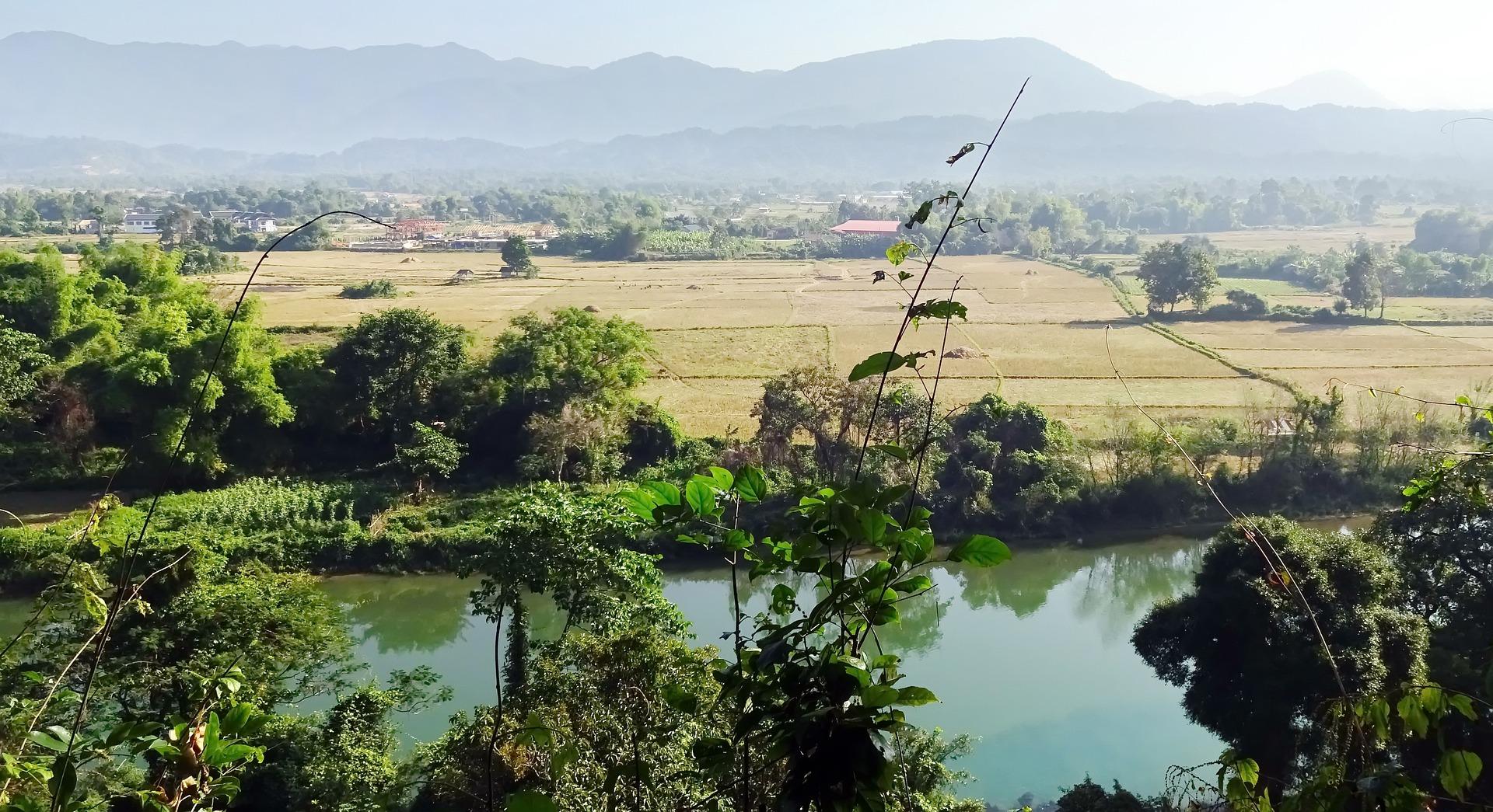 laos-2816722_1920.jpg
