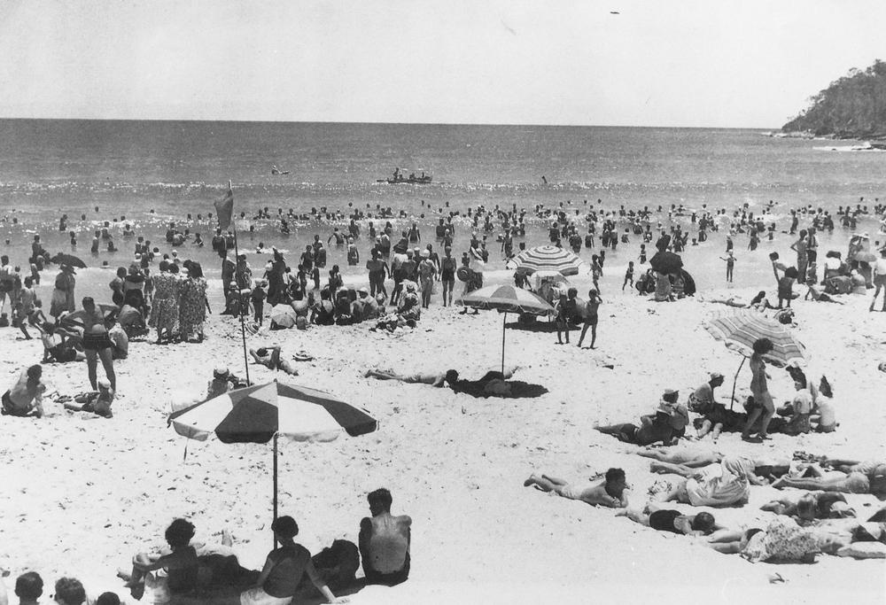 Noosa-Heads-beach-1950s.jpeg