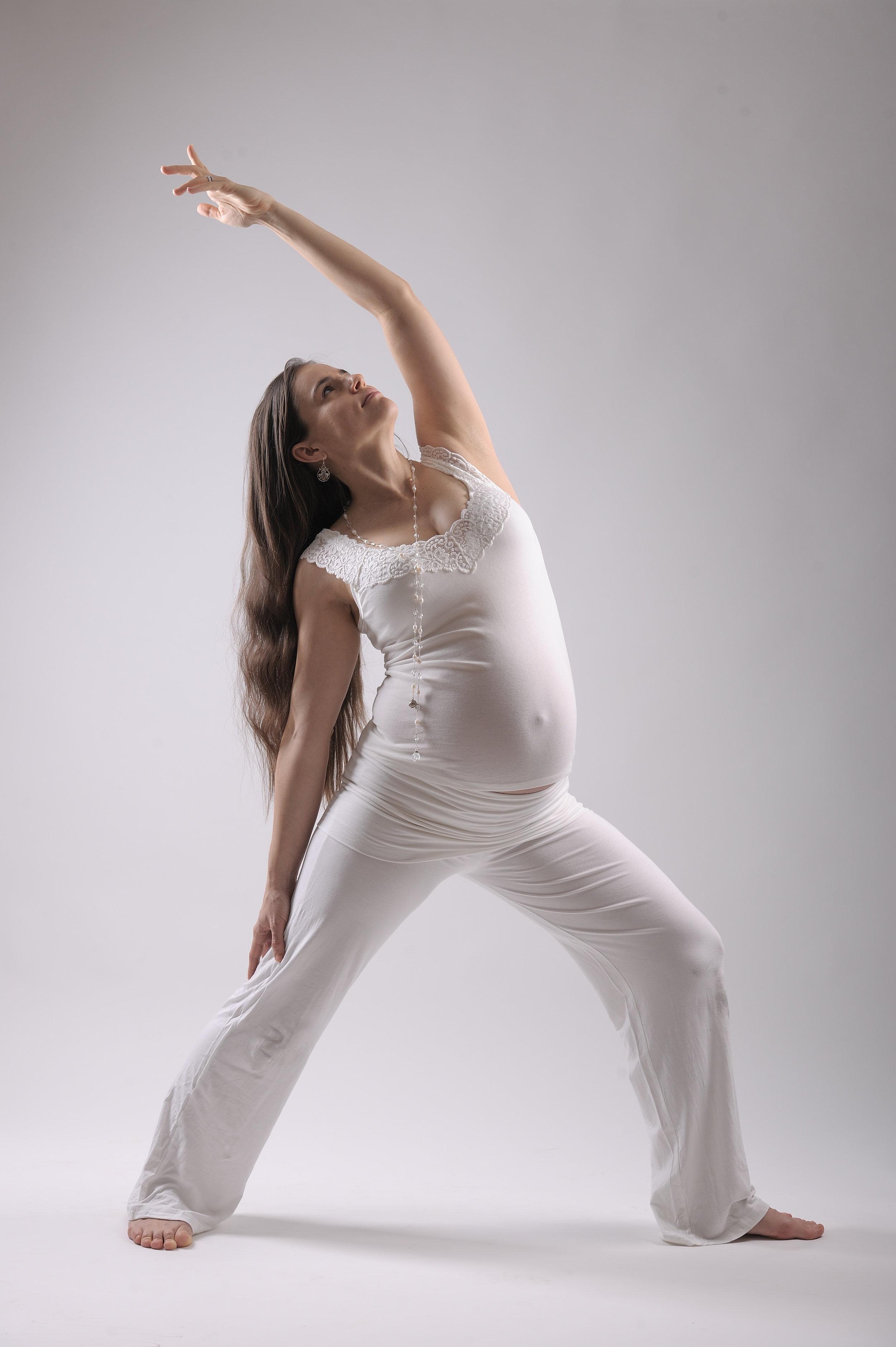 Amber-Pregnant_222.JPG