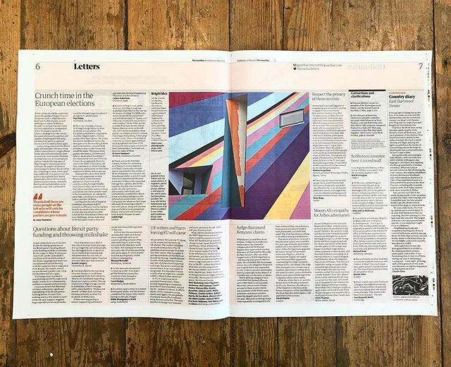 Excitement is mounting for @lothargoetz's new commission for @townergallery! Here a glimpse of progress in today's @guardian. @brewerspaints #lothargoetz #brewerstownercommission #townergallery #painting #commission #contemporaryart #eastbourne #eastsussex