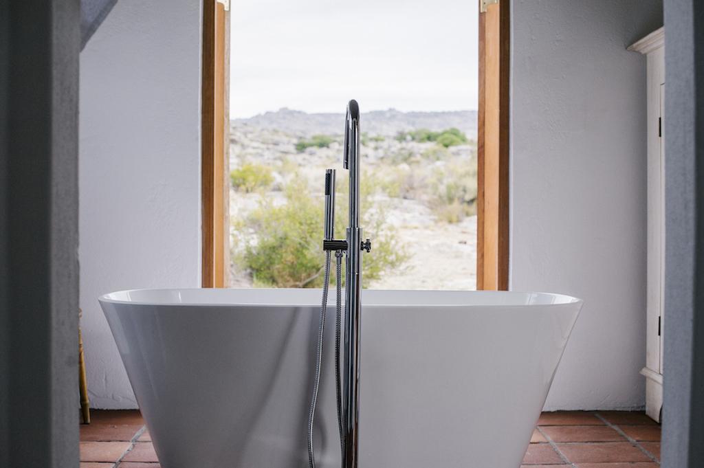 Kleinbosch bathtub.JPG
