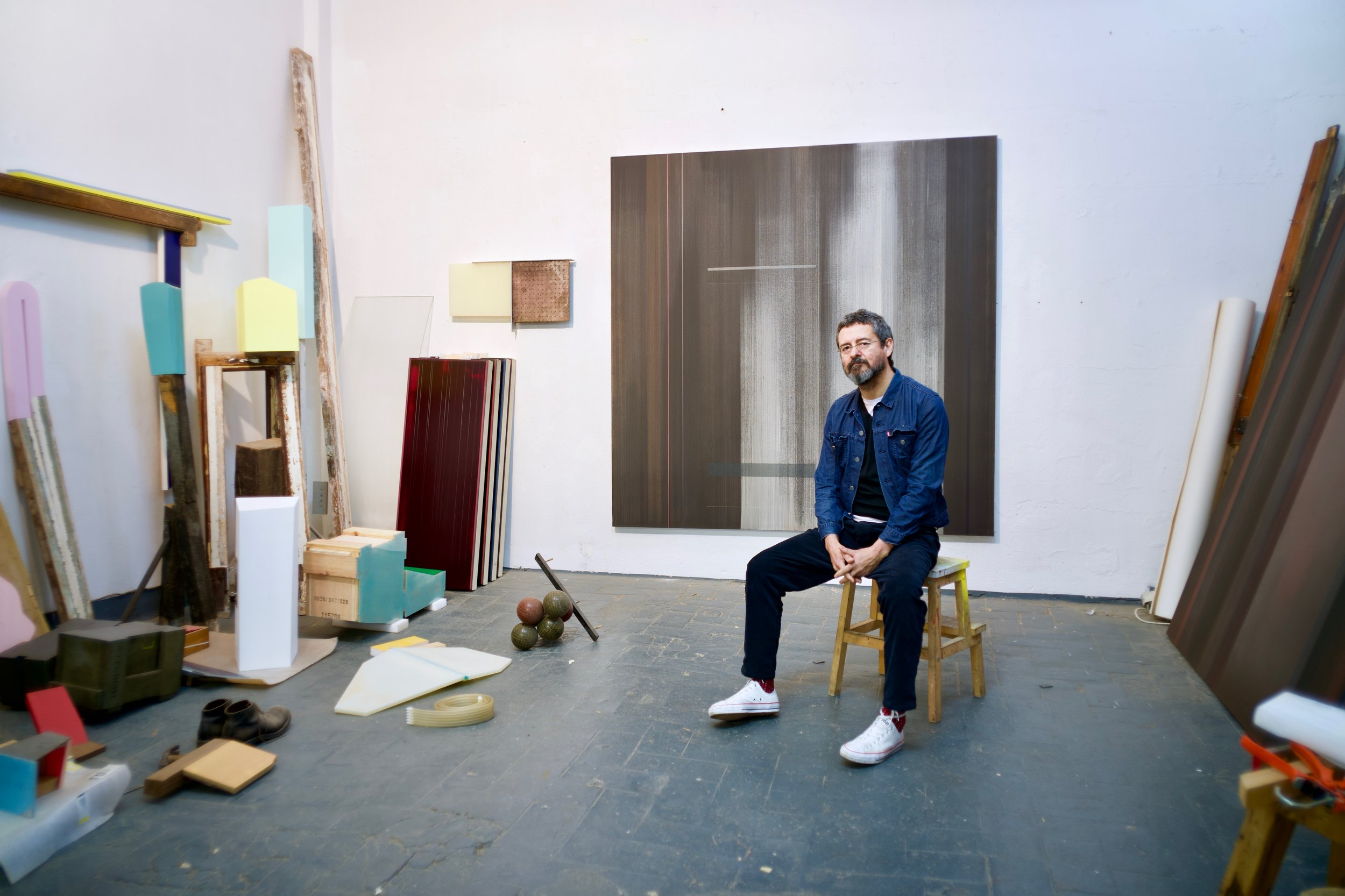 Hernan Ardila in his Barcelona Studio, 2019 photo credit @datduder / Arman Naji