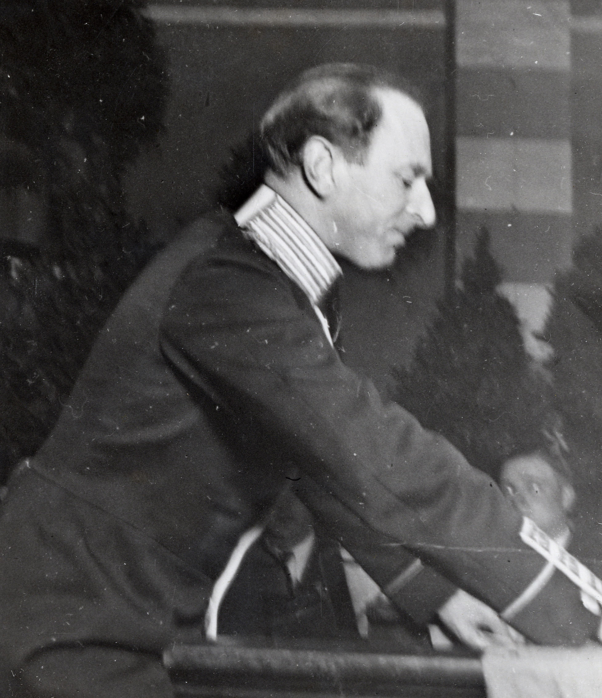Ivar af Sillén holds his speech at the charity function, February 2, 1935