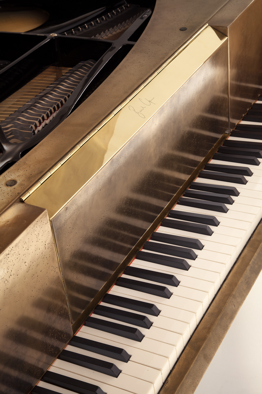 bu_00912_twist string_piano_D.jpg