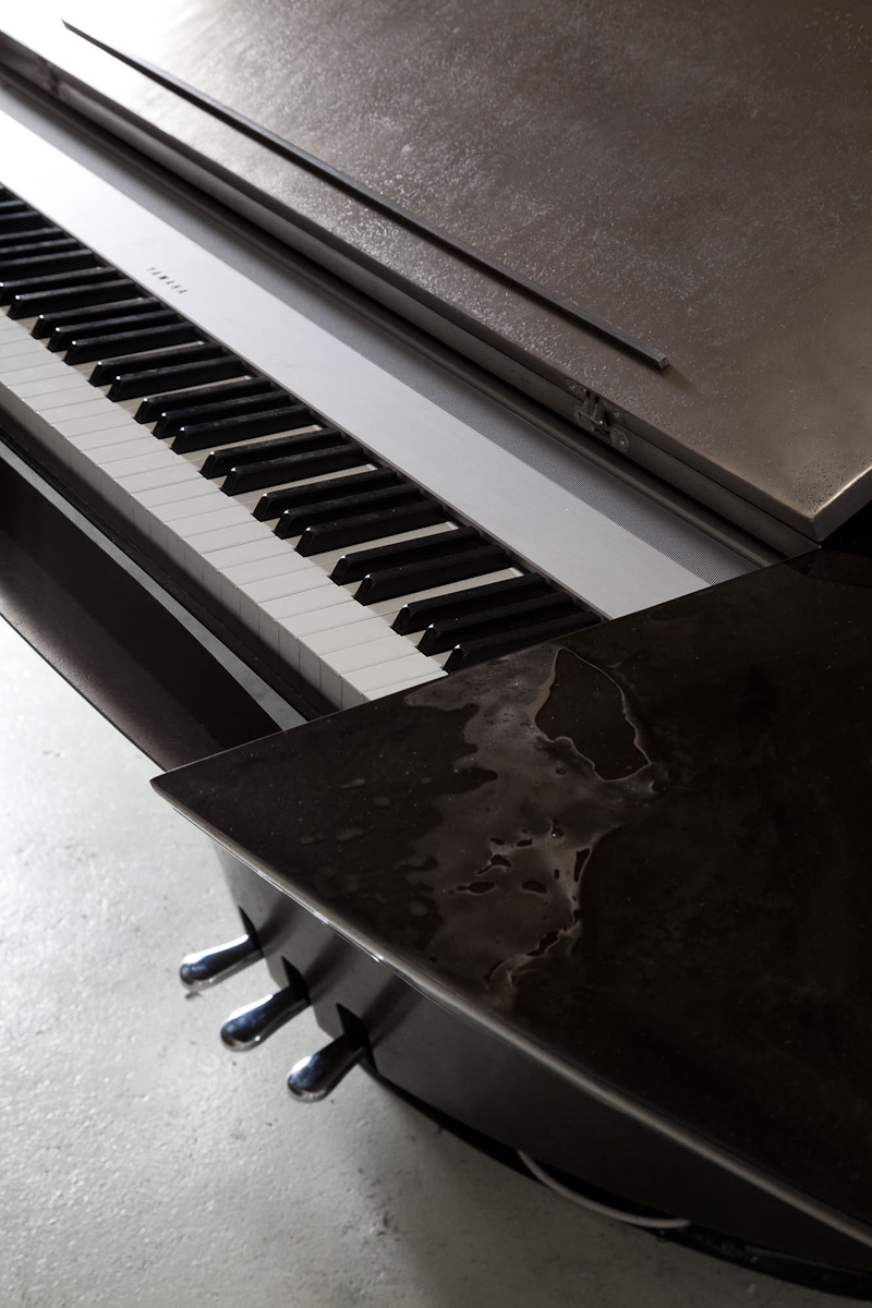 bu_00783_twist digital_piano_C.jpg
