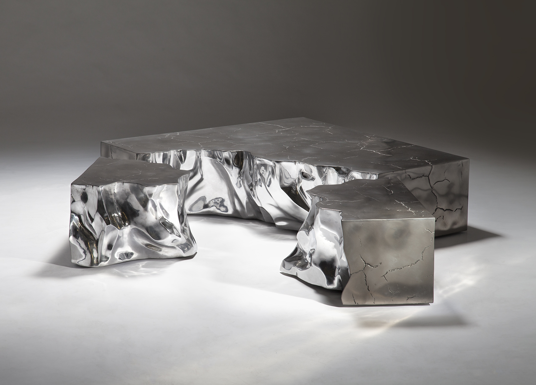 bu_00983_fragmented crack_aluminium_coffee table_A.jpg