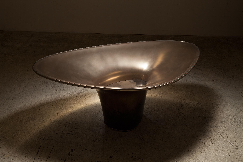 bu_00991_twist void_breakfast table_A.jpg