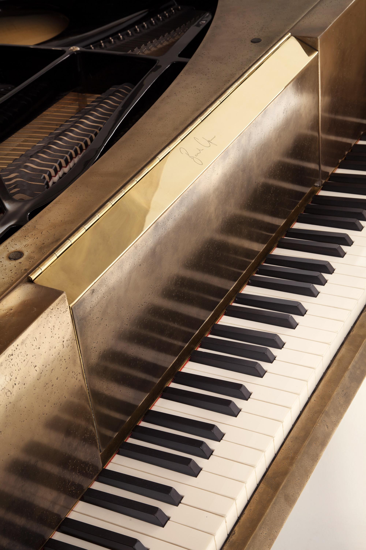 bu_00910_twist string_piano_D.jpg