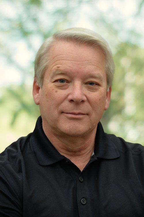<p><strong>Kent Douglas</strong><br>Landscape Consultant</p>
