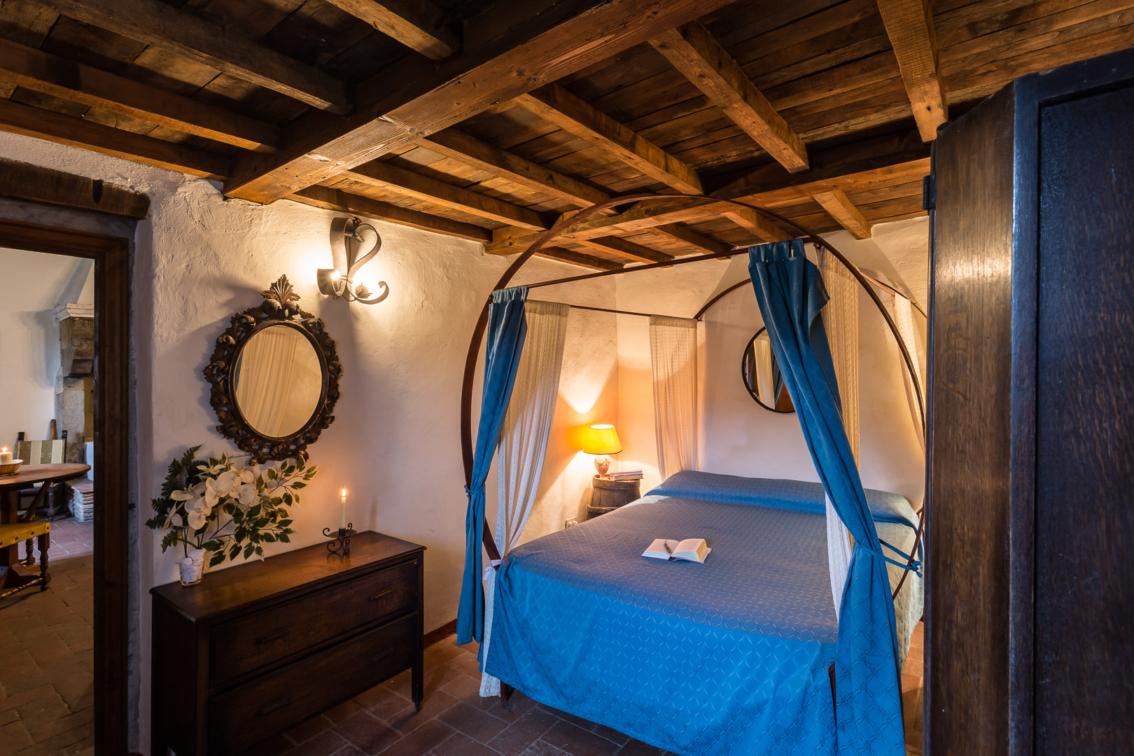 The Castle Apartment - Fit for 2, but spacious enough for up to 4 the Castle Apartment has a queen size bed and 2 single beds, a closet, wooden table and chairs, this Castle Apartment also features a Kitchenette for making pasta & coffee as well as a bathroom.
