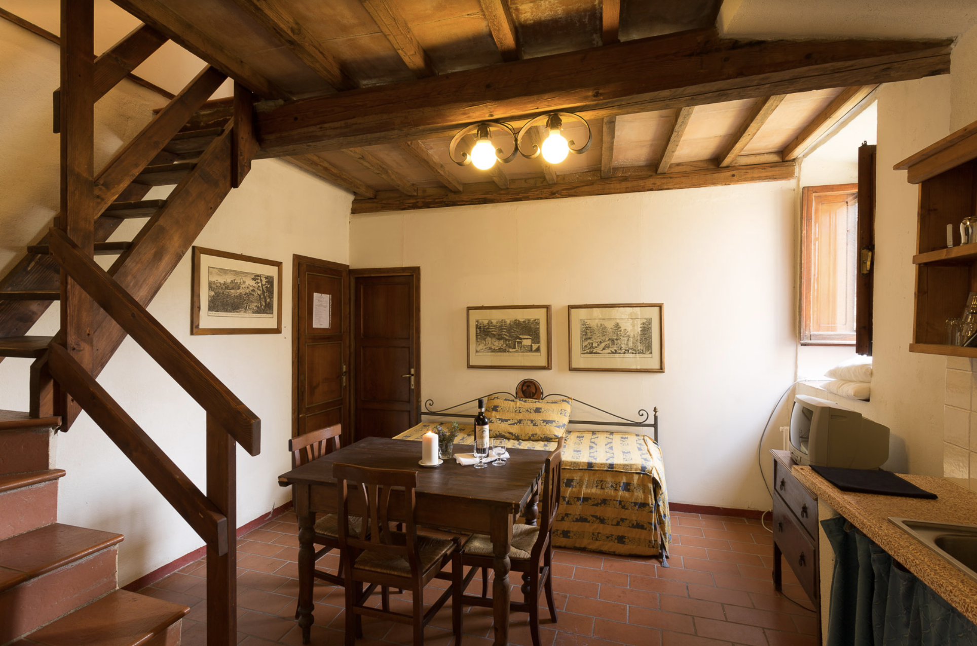 Borghetto 4 (1 bedroom apartment sleeps up to 4 guests with the ability to connect to Borghetto 5 and 3)