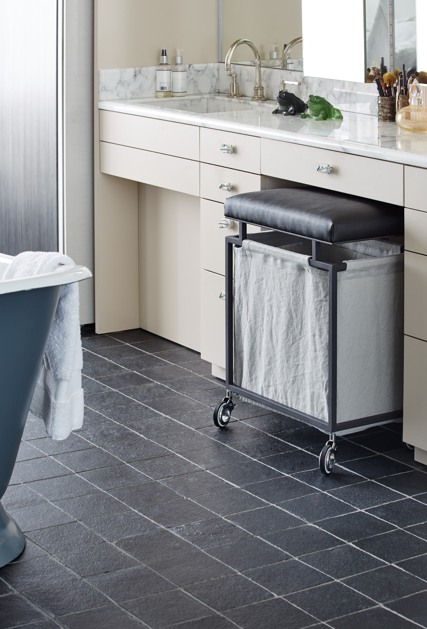 B&D Laundry Basket-1-LowRes.jpg