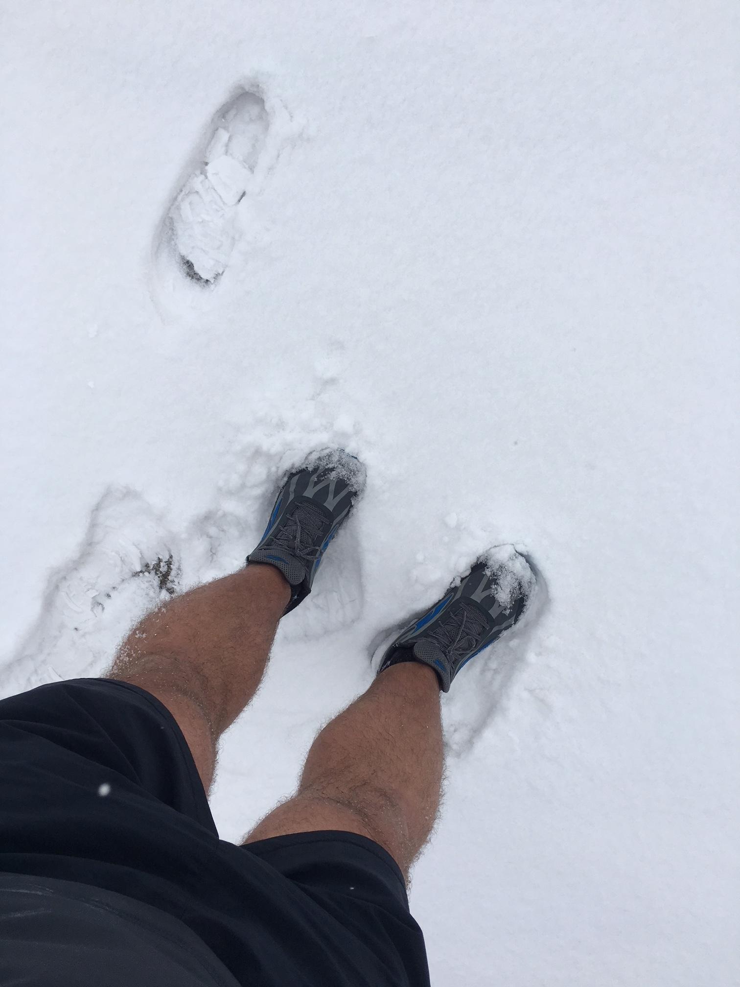 snowfeet2.JPG