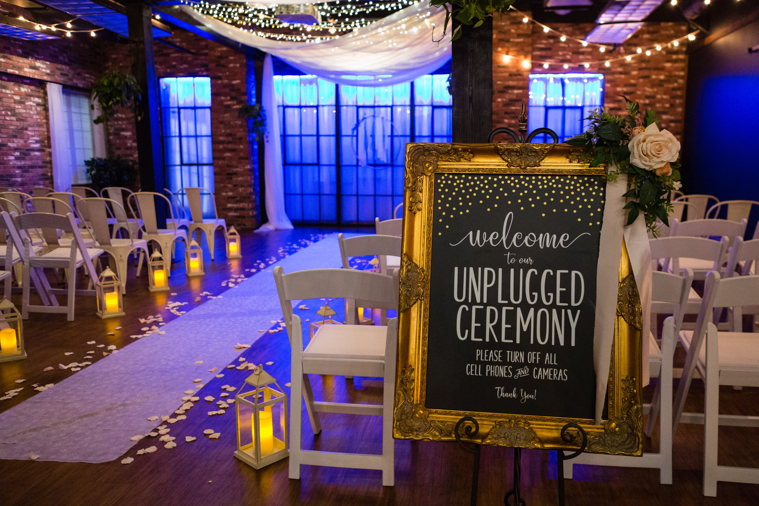 Venue:  Hub 925  | Sign:  Chic Signs