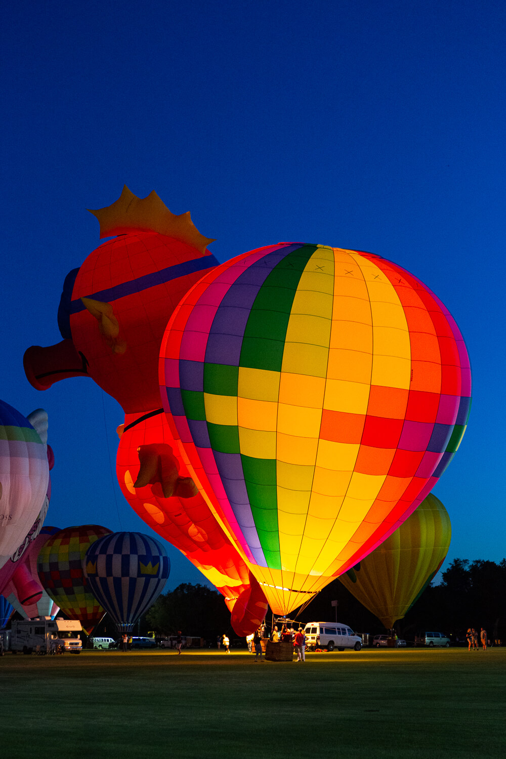 hot air balloon and balloon glow photos from the 2019 Villages Polo Club Hot Air Balloon Festival