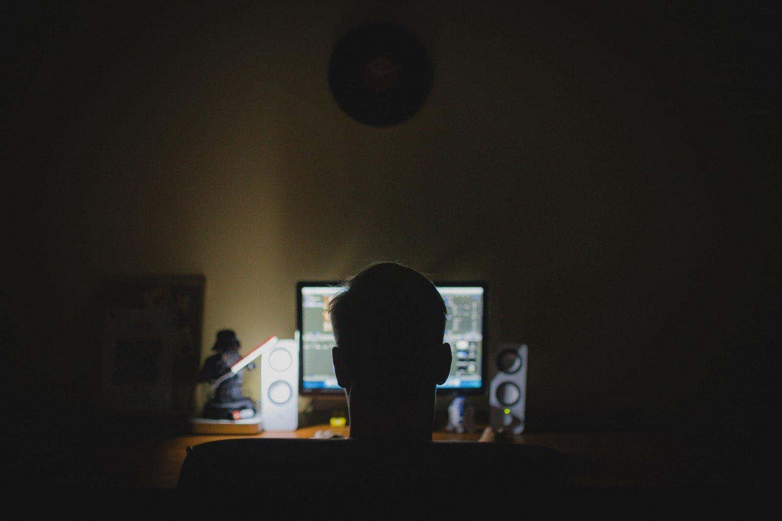 work-desk-computer-night-hacker-anonymous-office.jpg