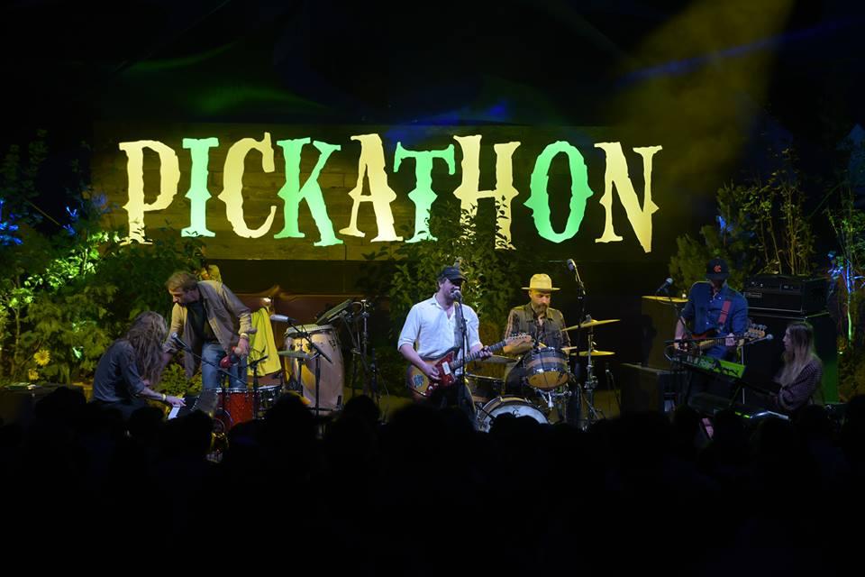 Phosphorescent     Mt. Hood Stage,  Pickathon  2018. Photo by Miri Stebivka photo via Facebook.com/pickathon
