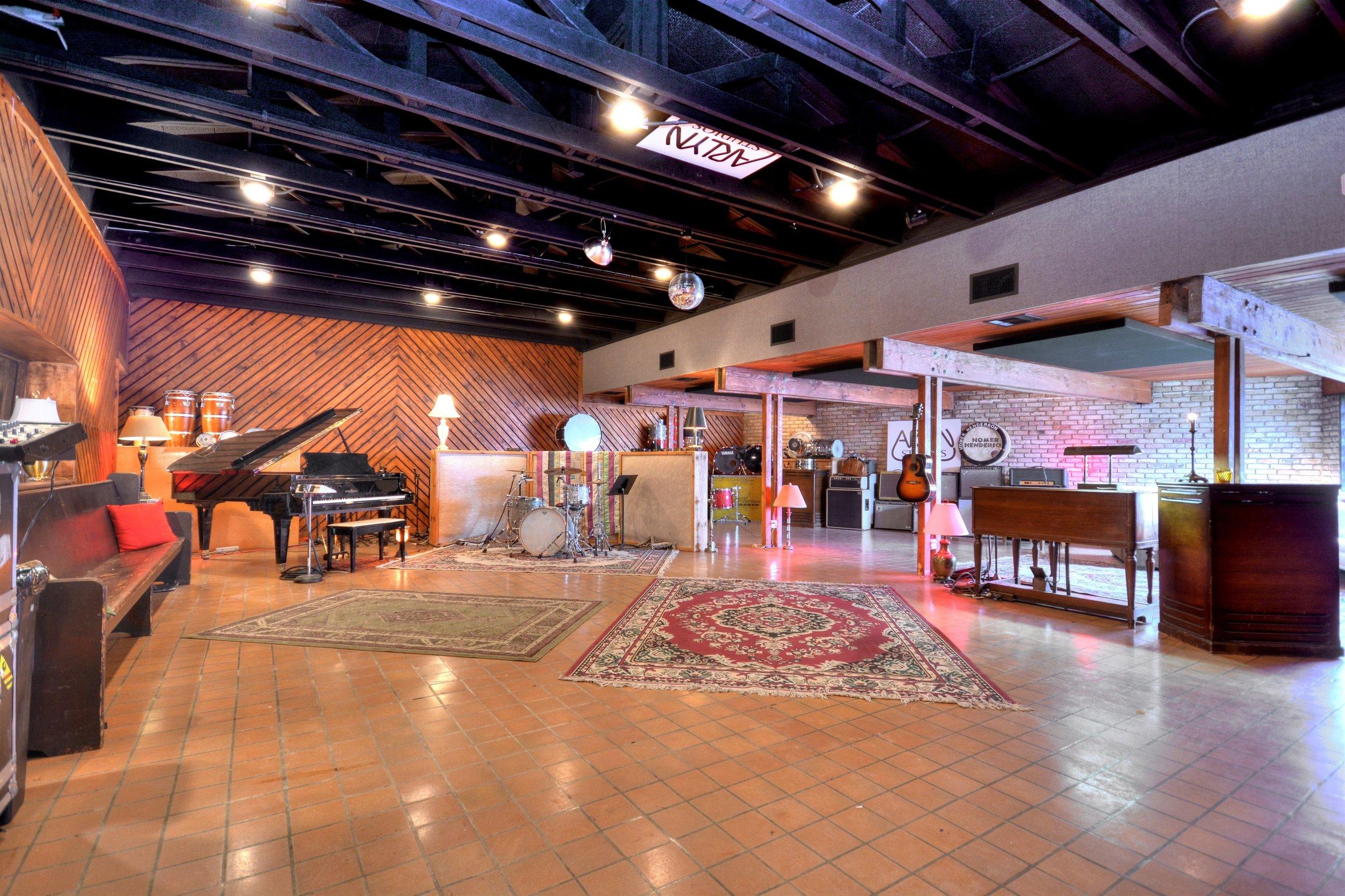 018_Living Room.jpg